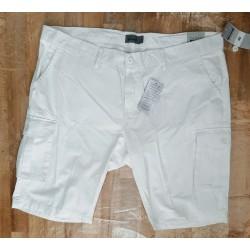 Men Short white