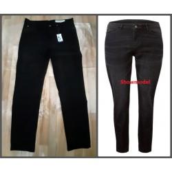 Ladies skinny jeans black...