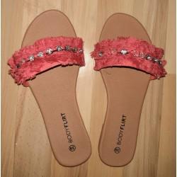 Ladies slippers coral pink...