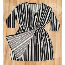 Ladies dress black / white...